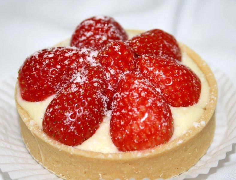 Erdbeer Vanille Tortchen Kolner Torten Express Wir Liefern